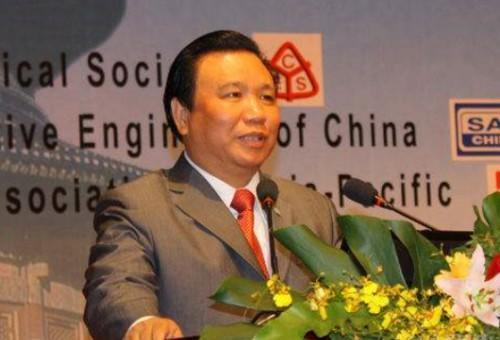 给美国捐款最多的中国富豪,刚捐完7000万,当天就宣布破产了!