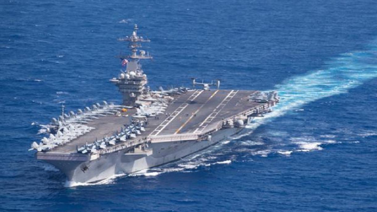 """撑不住!罗斯福号航母上演""""大逃亡"""",向2200公里外的关岛后撤?"""