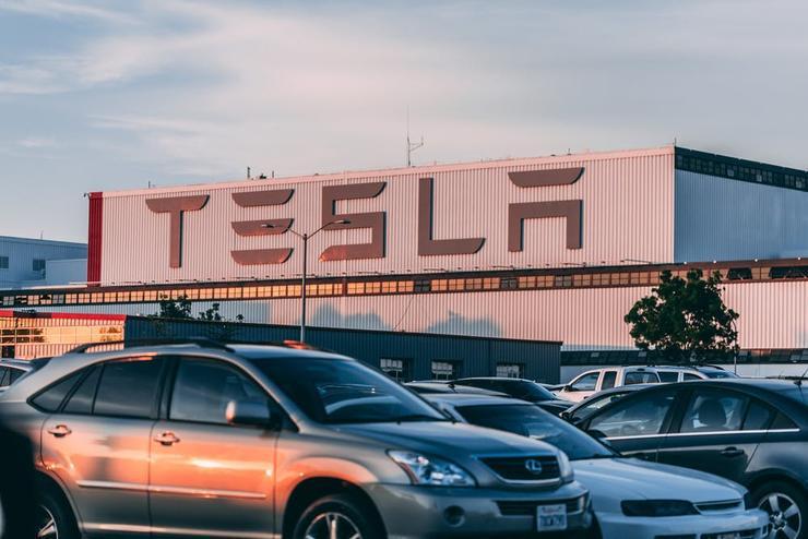 特斯拉自动驾驶功能更新,离完全自动驾驶又近一步