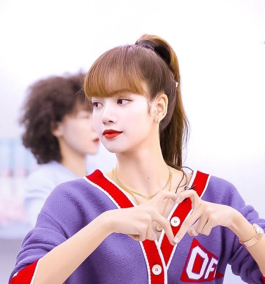 练舞蹈学乐器,蔡依林在家中仍然忙碌,这才是顶流歌手的样子_尚雯婕