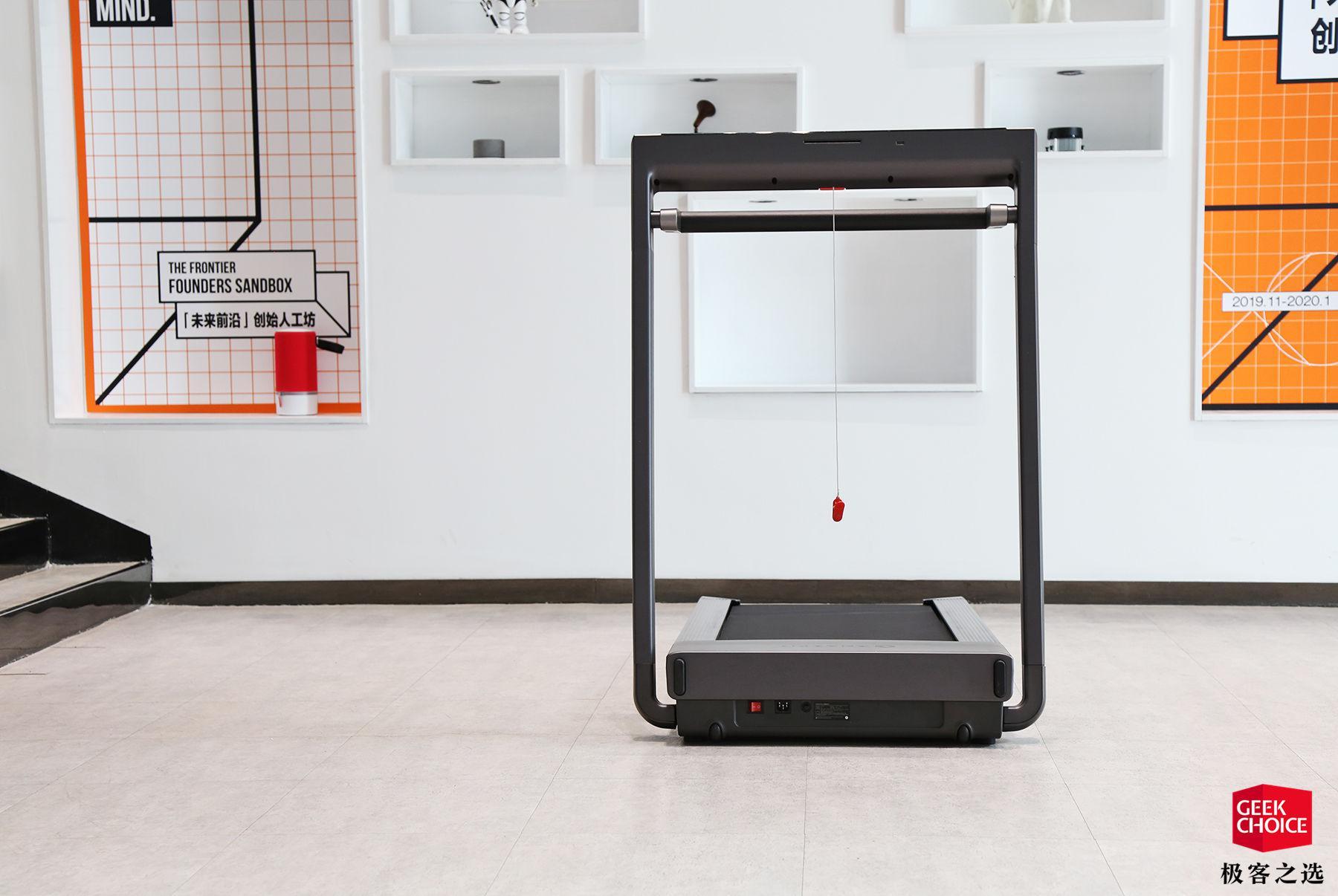 Amazfit AirRun 體驗:自帶雙 JBL 音箱還能顯示心率,年輕人的第一臺跑步機?