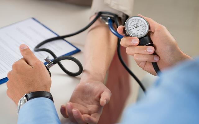 """原创             高血压治疗中的3个""""坑"""",你踩了几个?别等病倒才明白"""