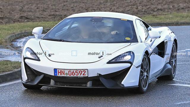 迈凯轮的第一辆混合动力超级跑车,搭载V6发动机,每100公里仅加速2.3秒