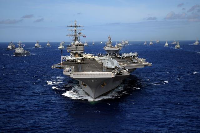 与死神跳舞!舰载机起降有多难?美海军40年摔机12000架