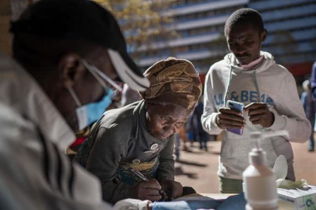 黄江裕成制鞋厂_防护装备短缺,南非一医院66人感染,至少48人是工作人员淄博