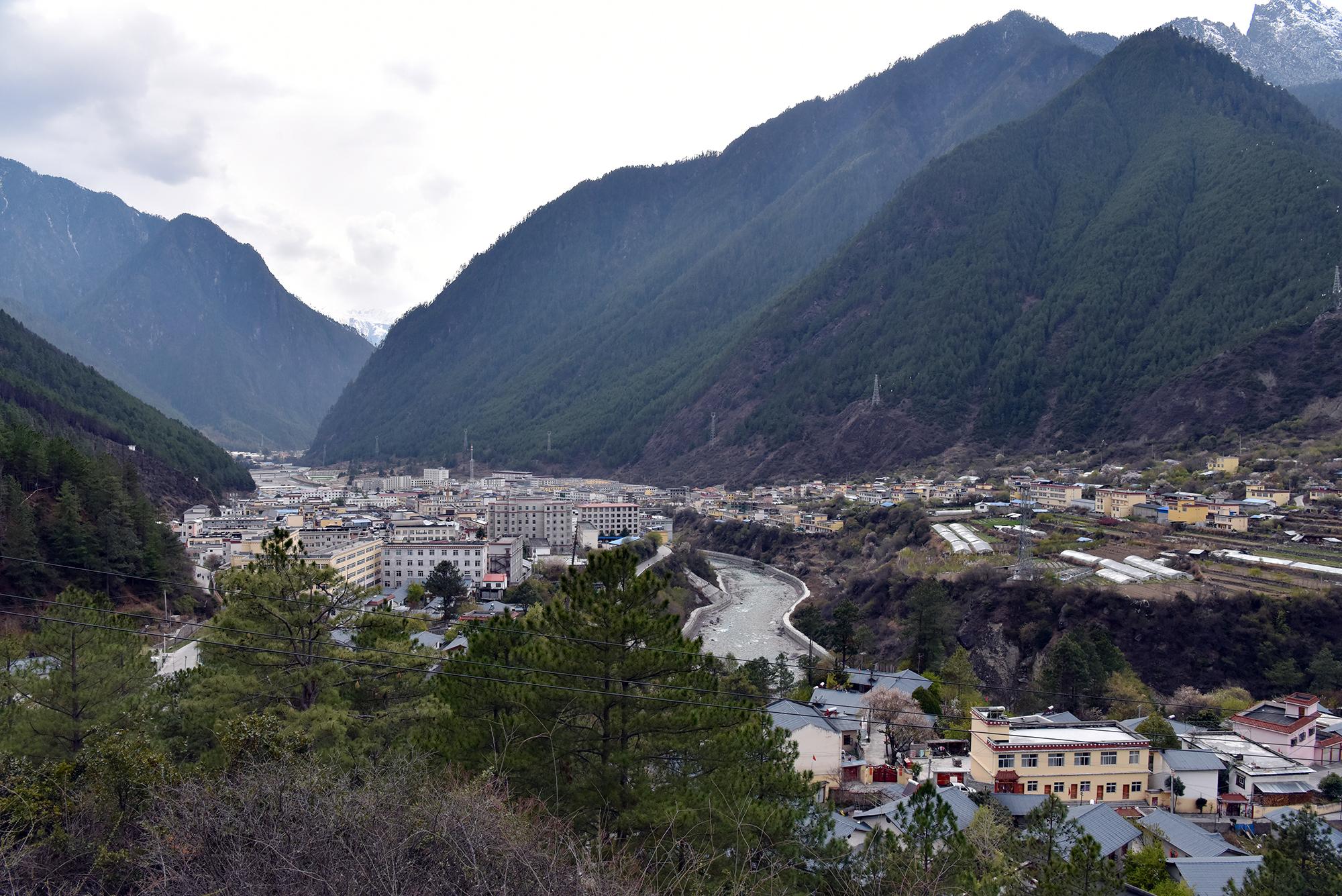 西藏:察隅河谷春光美