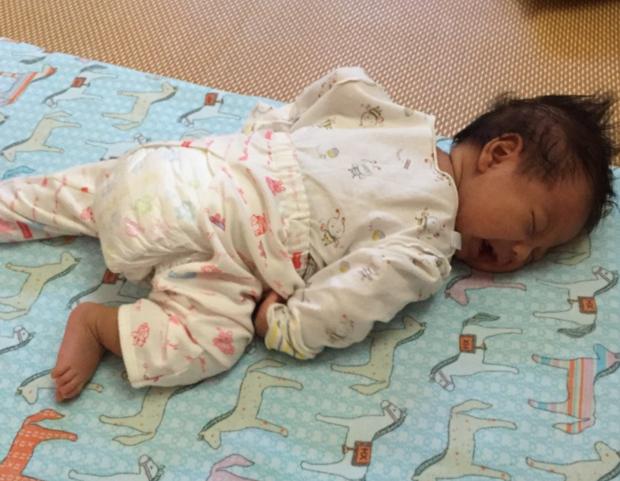 别一直让宝宝躺着了,趴着的这些好处家长要知道,有利于宝宝发育