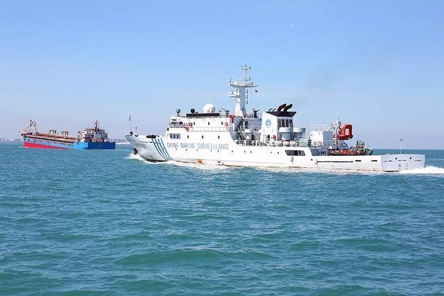 8名渔民被放回后,越南回应来了,不道谢反而指责渔船是被撞沉的
