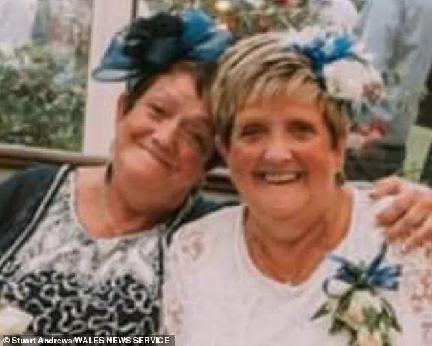 双胞胎姐妹感染新冠病毒后相继去世,哥哥也确诊入院