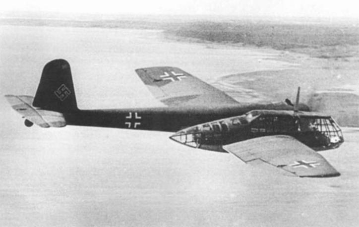 """从古德里安回忆的法国战役,分析德国空军在""""闪电战""""中起的作用"""
