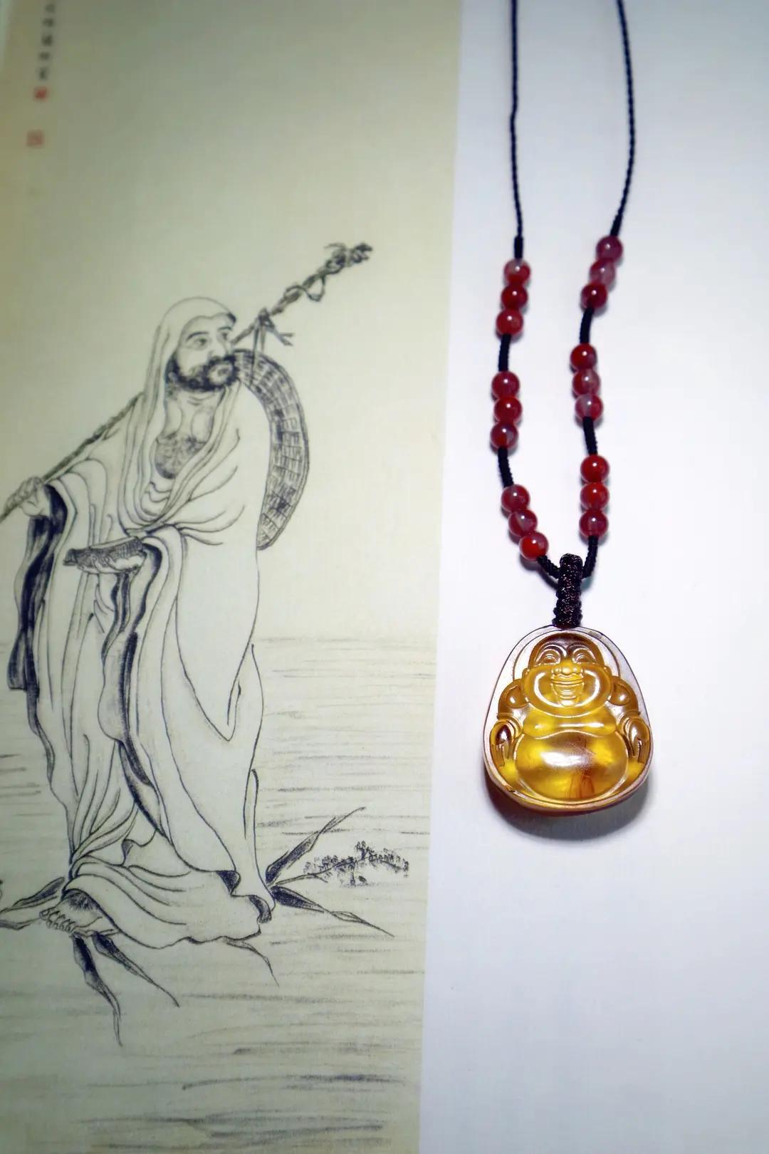 女人长期佩戴琥珀原石有什么功效和作用,必知!-第4张图片