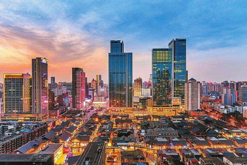 17座万亿GDP城市:上海第1,武汉第8,郑州超长沙
