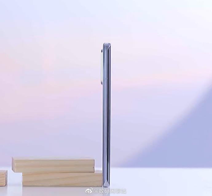 『Pro』荣耀30 Pro系列真机曝光:双打孔曲面屏,