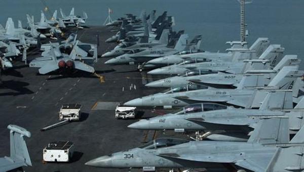 【寰球观察】美太平洋舰队4艘航母纷纷暴发疫情,这究竟是怎么回事?