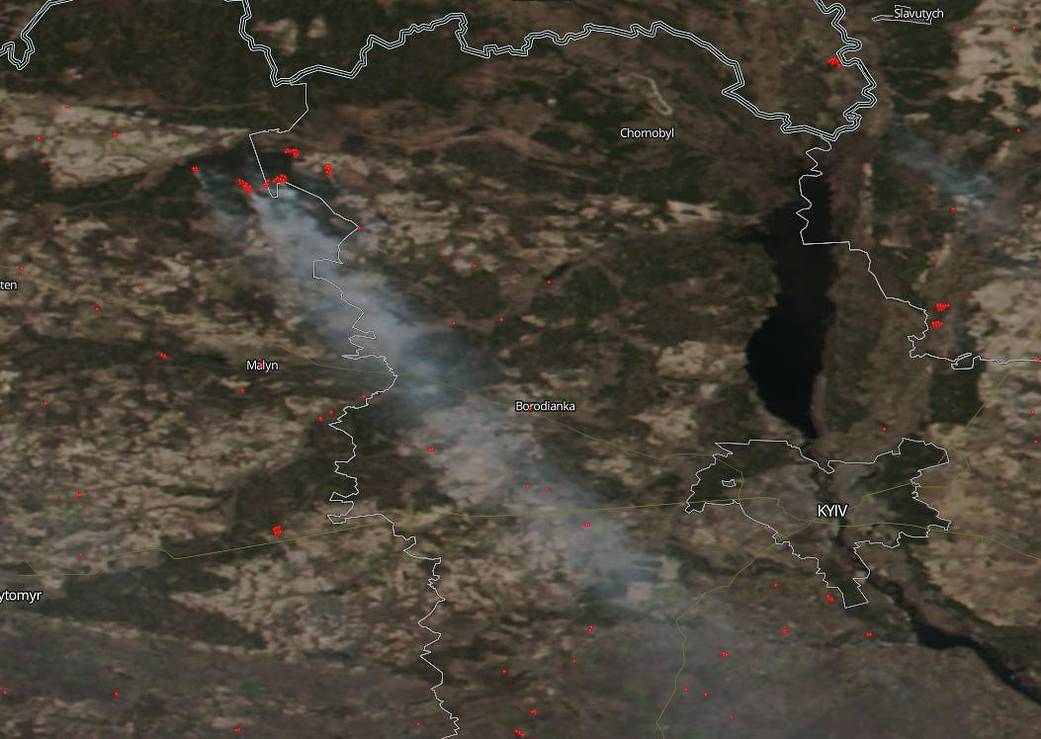 乌克兰北部发生森林火灾,火点接近切尔诺贝利