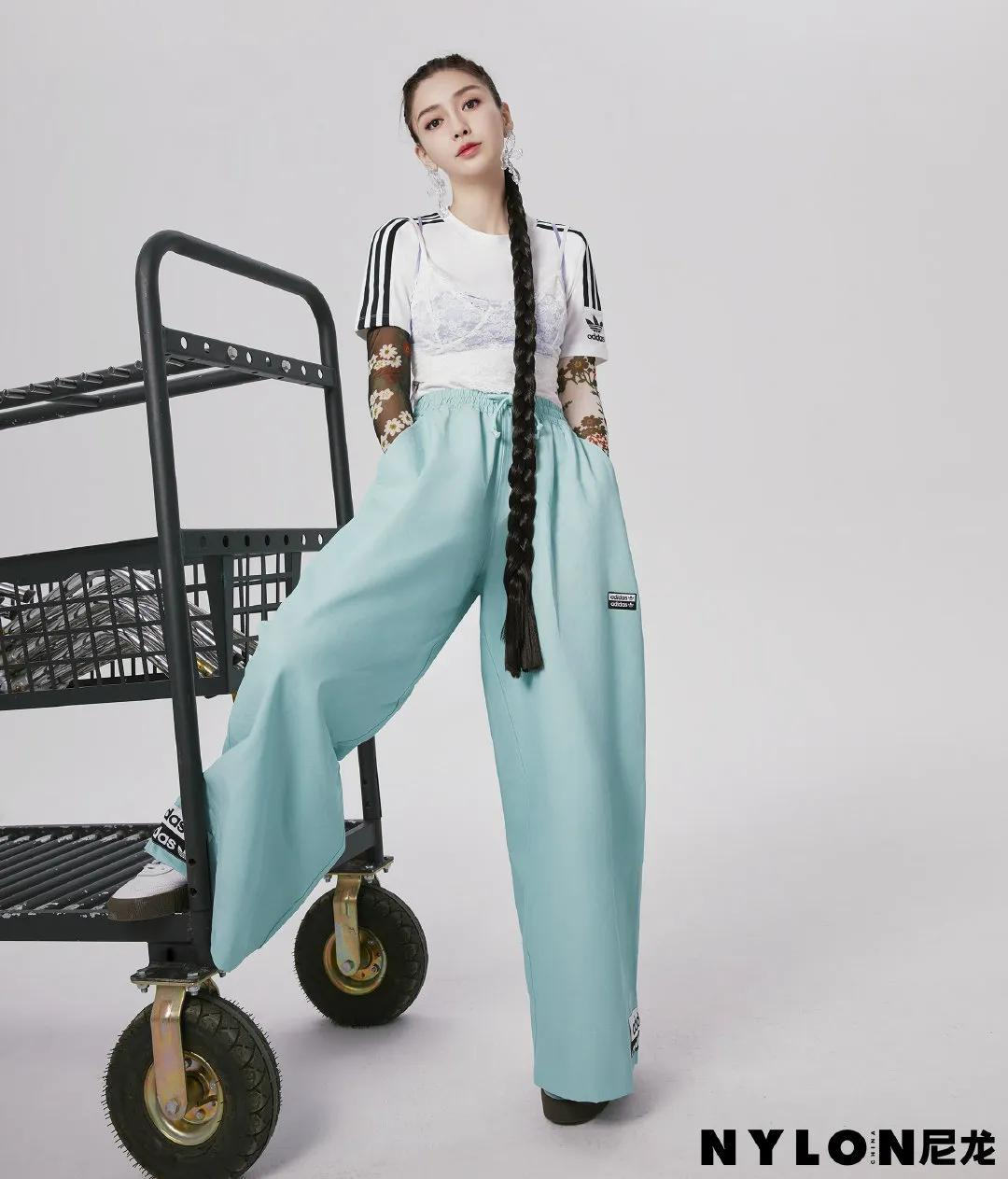 原创             Angelababy太少女了吧!新杂志解锁最潮春日穿搭,30岁比18岁都嫩