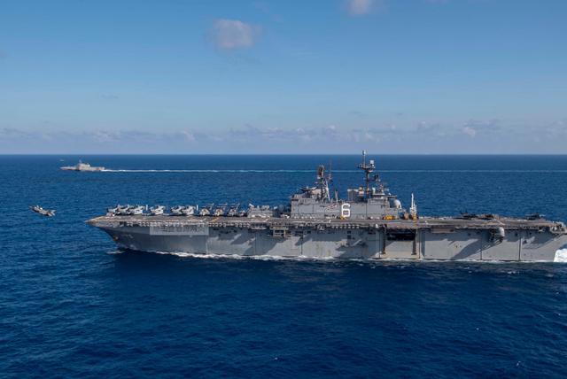 疫情还未过去,又一架美军机闯入敏感海域,这次大国没有手软