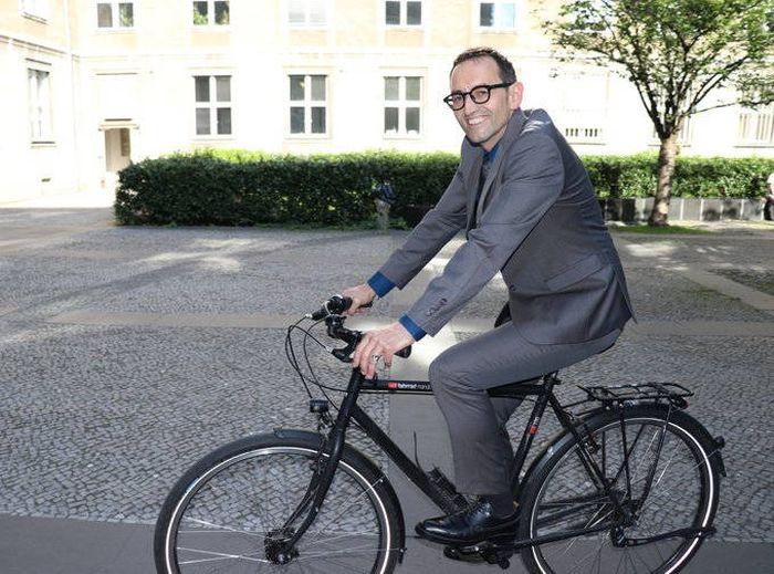 柏林一区长承认故意感染新冠:获得免疫,但低估了病毒