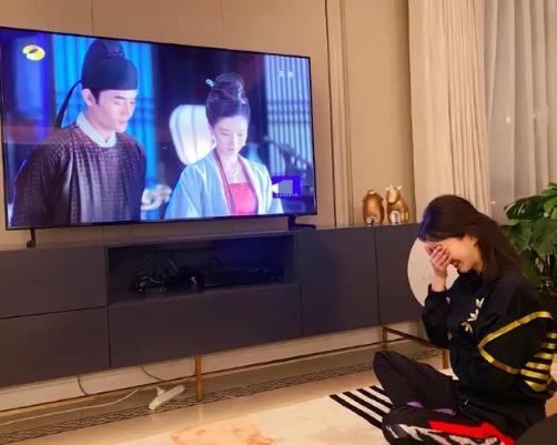 八卦爆料:却不知演技太尴尬太出戏江疏影追《清平乐》磕帝后cp上演姨母笑