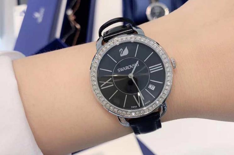 施华洛世奇时装手表,限时三折购!