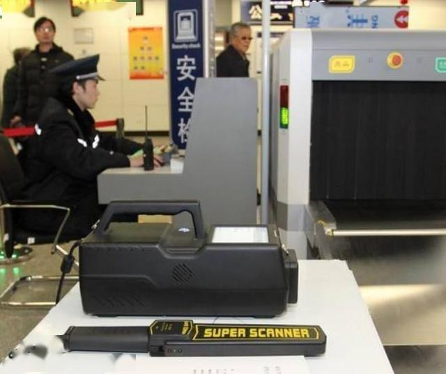 地铁安检员工资3000块,年轻人们为啥还要去扎堆?原因很简单