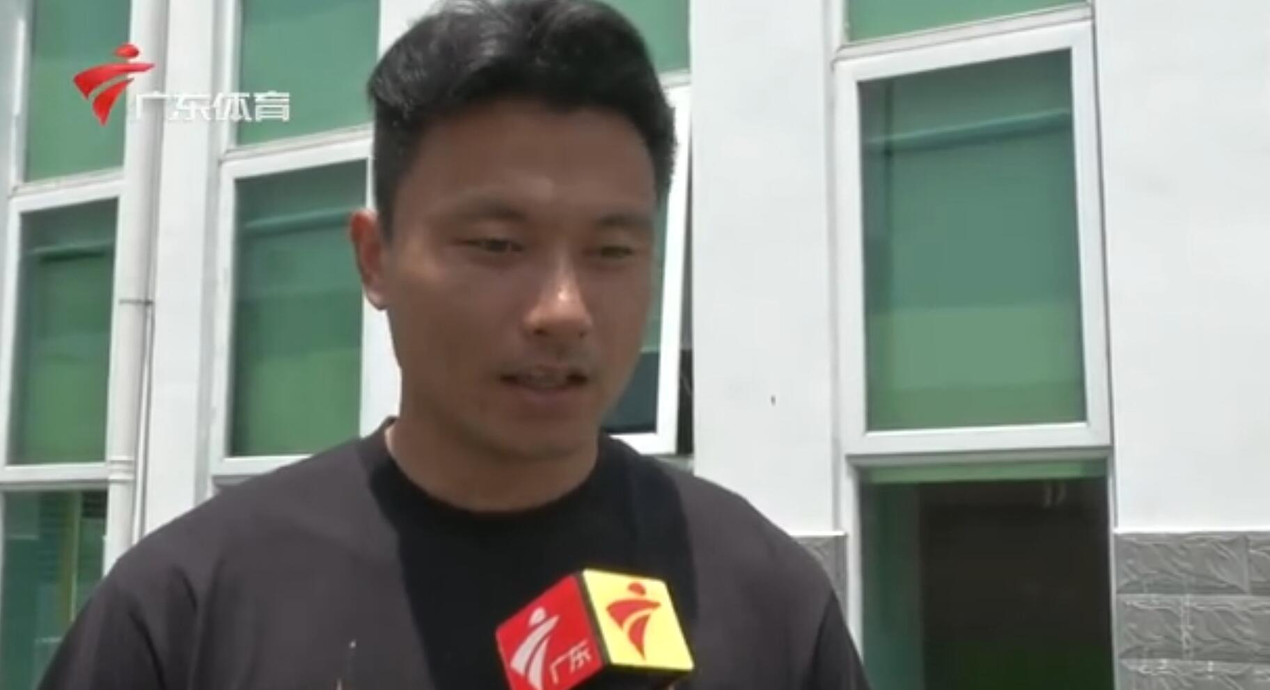 郜林谈于汉超被开除:犯错该受惩罚 希望不会影响他情绪