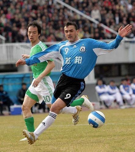 原创             大连足球史上今天:2007年实德1比3客负国安,德利尼奇打入加盟首球