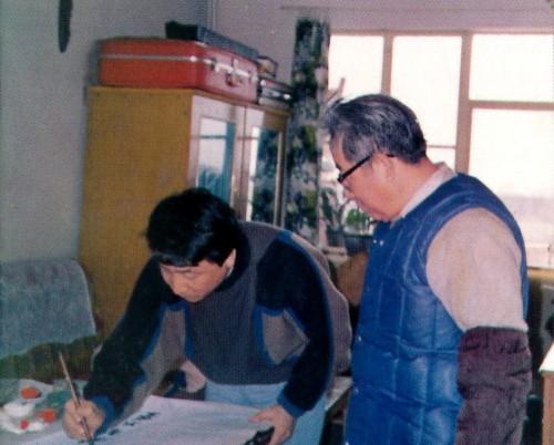 姜昆与父亲学书法