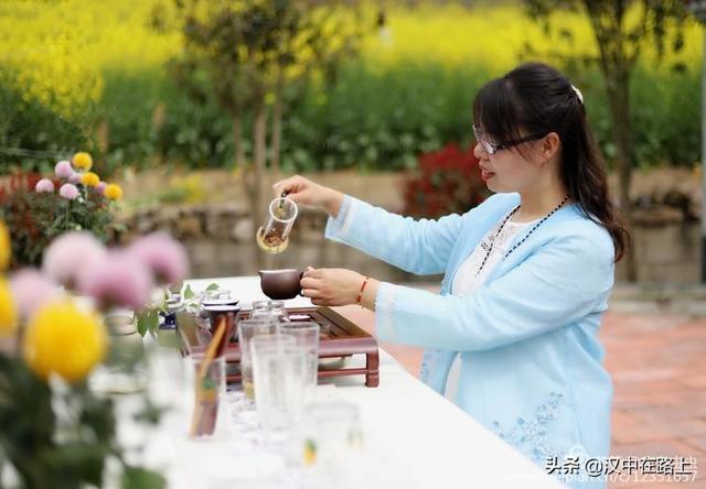 春光十里柔情 小光_春天来时,我在汉中的风景里 余额宝玻璃隔热材料减肥公司巫山 ...
