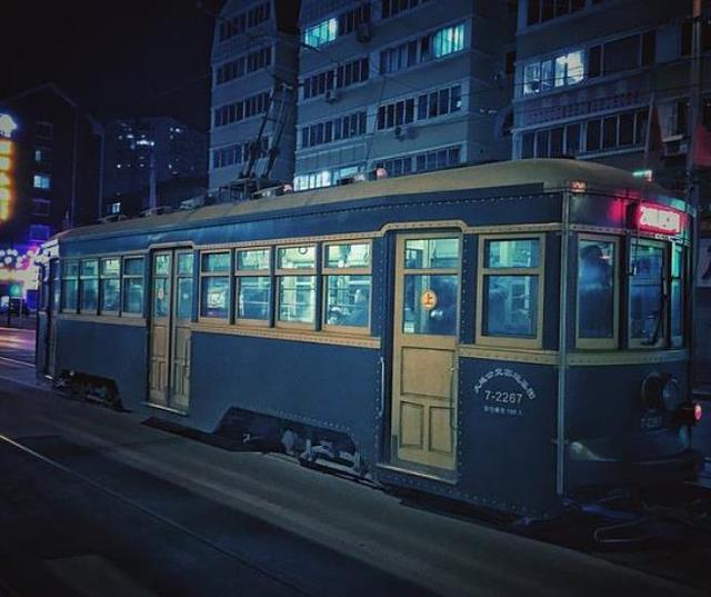 公交车一般8年后就要淘汰,大连有轨电车却跑了80年,这是为啥?