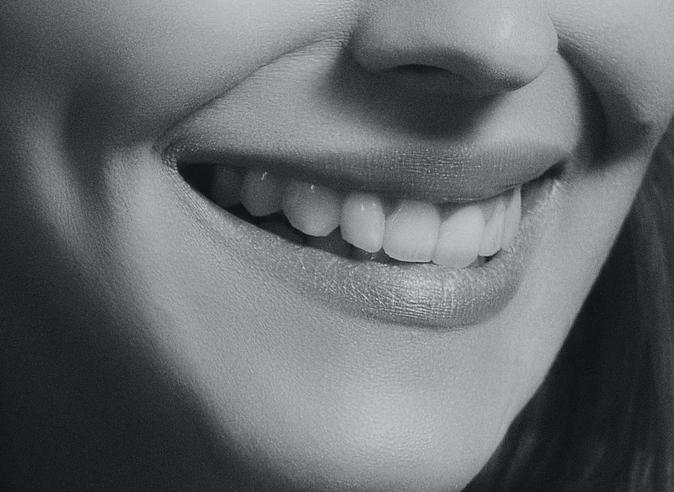 簌口水的原理_【 】漱口水有多重功效,如防止蛀牙、清新口气、消炎杀菌等,因此其在国内外备受青睐.