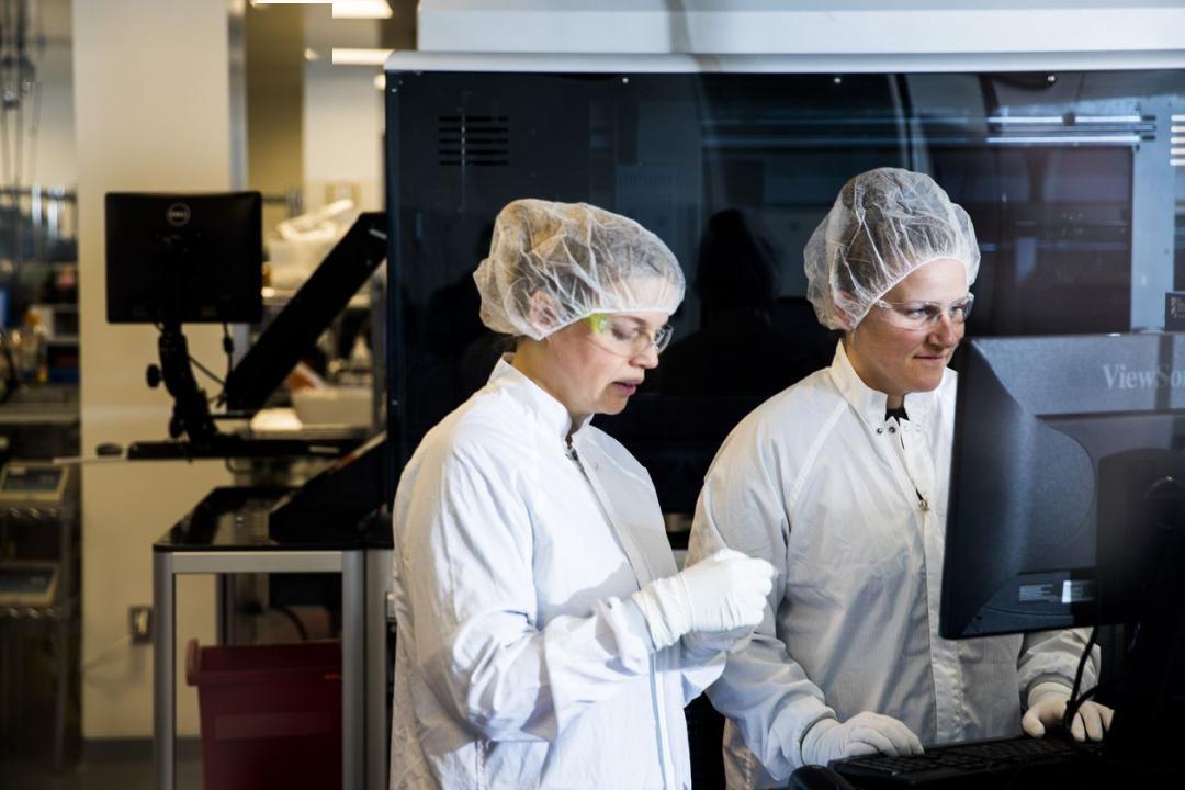 """金发人体150第一名_""""不差钱""""的疫苗明星公司Moderna再获4.83亿美元资助,将加速新冠 ..."""