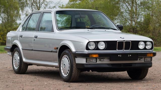 1986年宝马325iX E30 AWD版,168马力2.5升六缸发动机