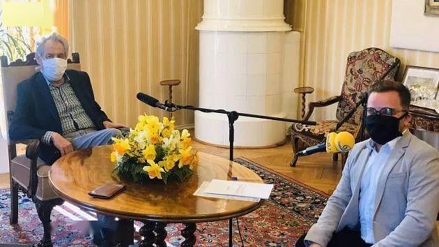 14日,俄罗斯外交部长拉夫罗夫在受访时,两次力挺中国.