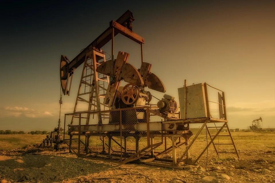 国际油价跌破11美元每桶,一天跌幅40%,国际石油到底怎么了?