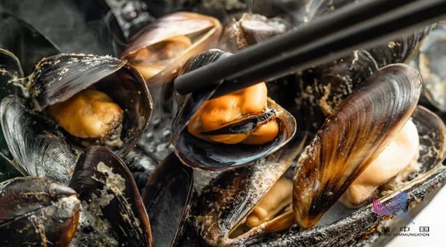 原创多地紧急提醒!这种海鲜近期谨慎食用,会引发中毒,严重可致命
