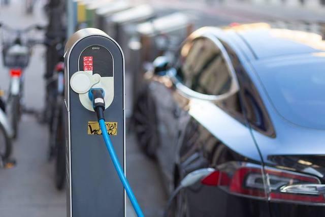 新能源车购置税免征政策延长两年,会刺激消费吗?