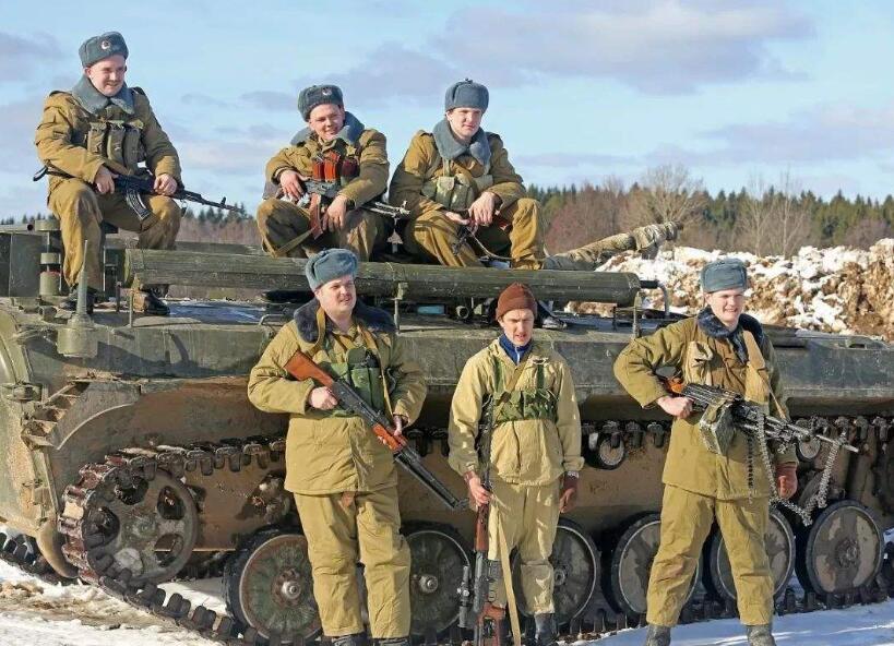 俄军至今未承认,8万大军进入深山建核基地,3千人失去生命