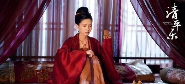 清平乐:董秋和出场,张妼晗的大敌来临,比她貌美还心灵手巧!