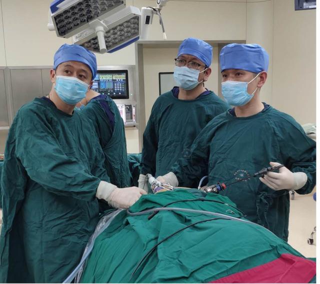 原创太原中心医院汾东院区肝胆外科完成腹腔镜胆囊切除+开腹脾切除术