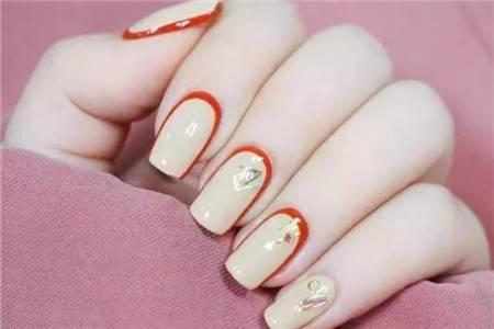 金橘▲,精妆联华美妆店:美轮美奂的拼色美甲,裸色和金橘的碰撞