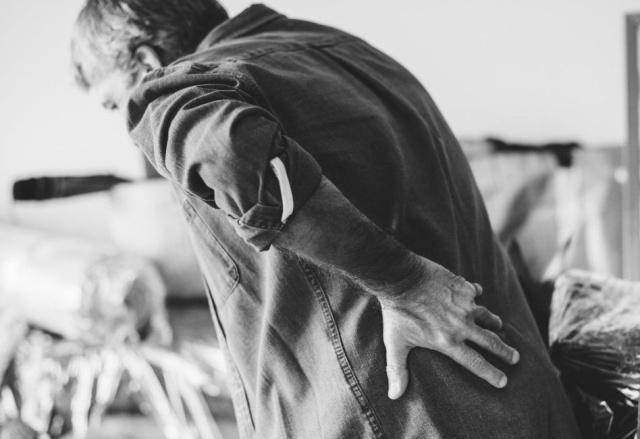 强直性脊柱炎的症状