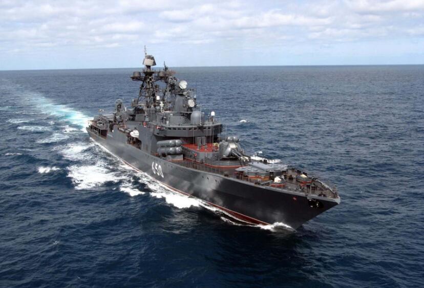 北极被称为俄罗斯生命线,宁愿不要核战舰,也要建造破冰船