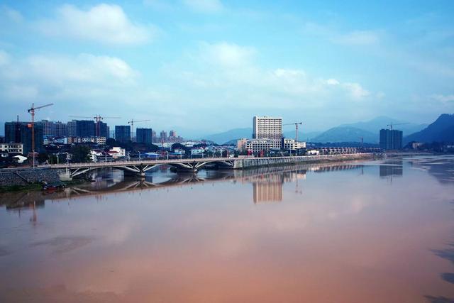 """沙县人口_中国唯一以""""吃""""出名的县,人口26万,却拥有高铁和机场,你怎么看."""