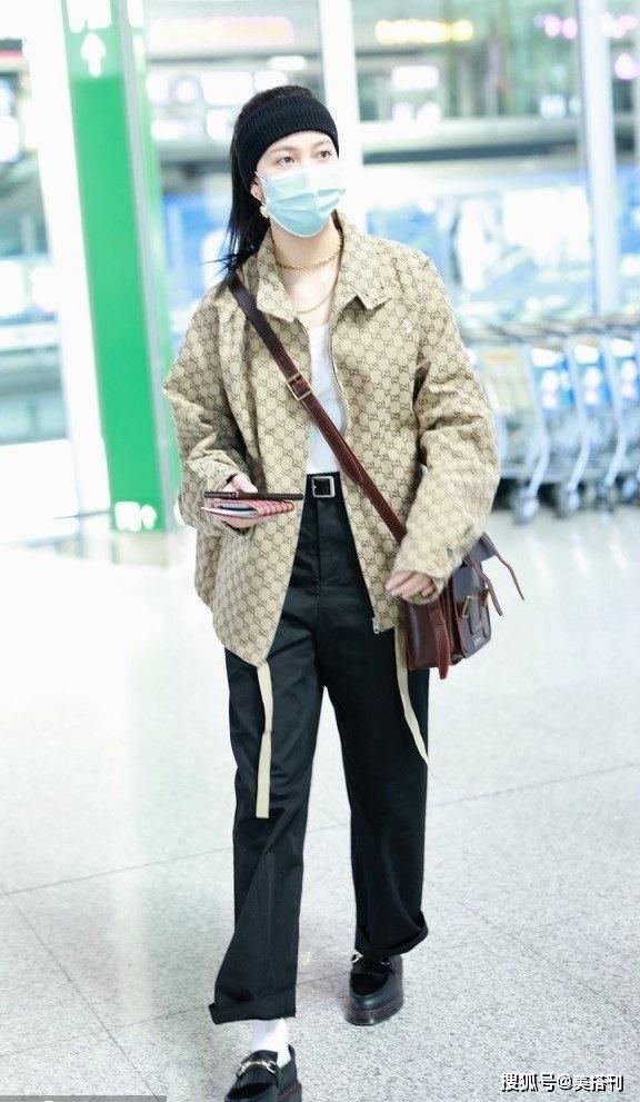 原创太会穿搭了!宋妍霏穿五位数外套走机场,要承包全身Gucci吗?