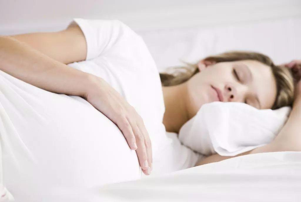 原创孕期总睡不好怎么办?到底啥原因?先教你4招,可能一觉到天亮