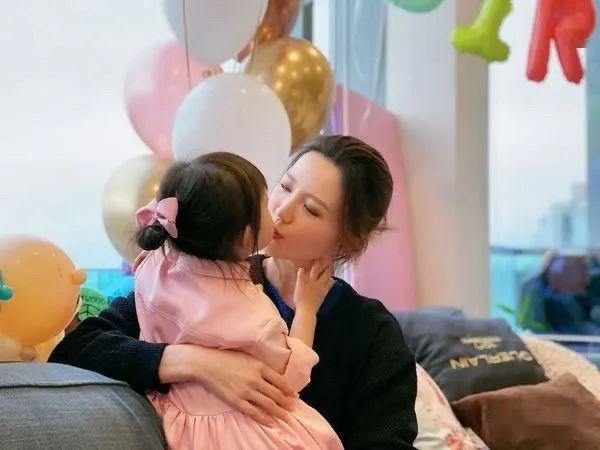 【豪宅曝光】为囡囡布置3岁生日派对 吴若希下嫁澳门濶少2千万元朗豪宅曝光