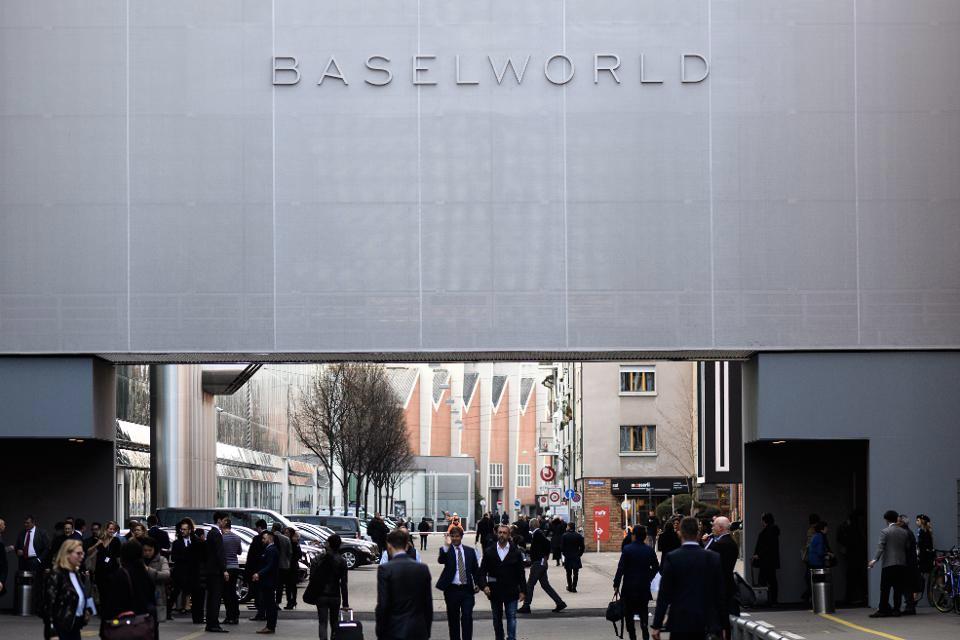 斯沃琪劳力士百达翡丽出走巴塞尔,世界最大表展如何走向没落?