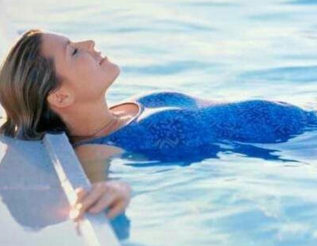 唐艺昕:孕期最爱的运动是游泳;婆婆:孕期怎么能游泳?
