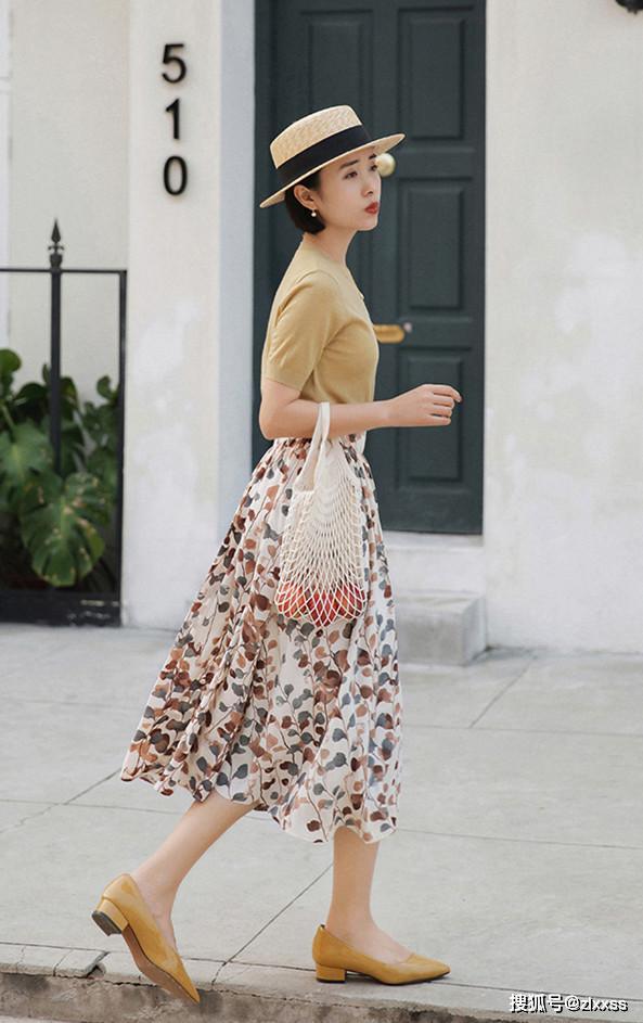 原创越简单越气质!今年夏天喜欢优雅、自然穿搭,演绎优雅与高级范!